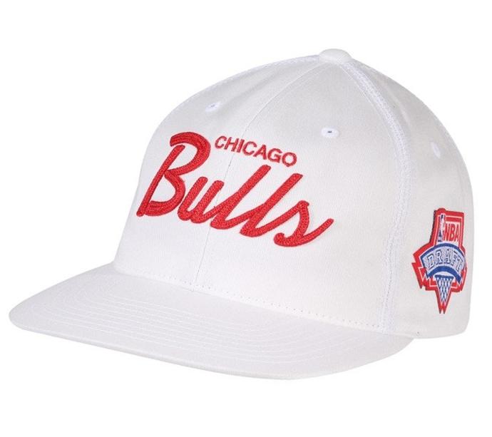 b52069d1b93a58 Czapka z daszkiem Mitchell & Ness Draft Series snapback Chicago Bulls white